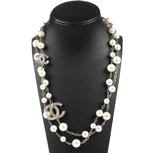 🇺🇸Chanel Pearl Necklace w/ 2 Crystals CC🇺🇸